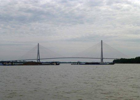 BridgeMekongRiver_875
