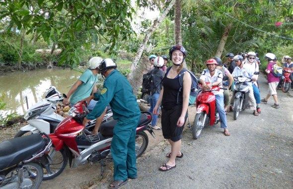 Line of Motorbikes_DrChiemFieldTrip_469